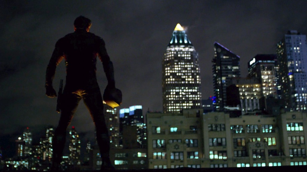 Daredevil-Matt-on-roof